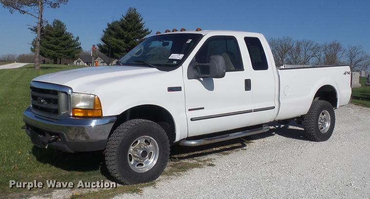 2000 Ford F350 Super Duty Lariat SuperCab pickup truck