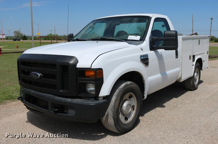 2010 Ford F250 Super Duty utility bed pickup truck