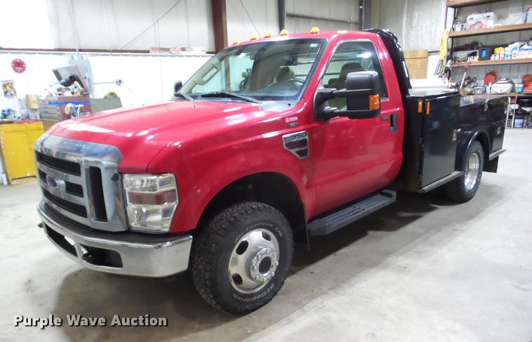 2008 Ford F350 Super Duty flatbed pickup truck
