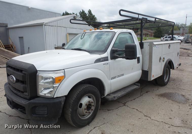 2011 Ford F350 Super Duty utility bed pickup truck