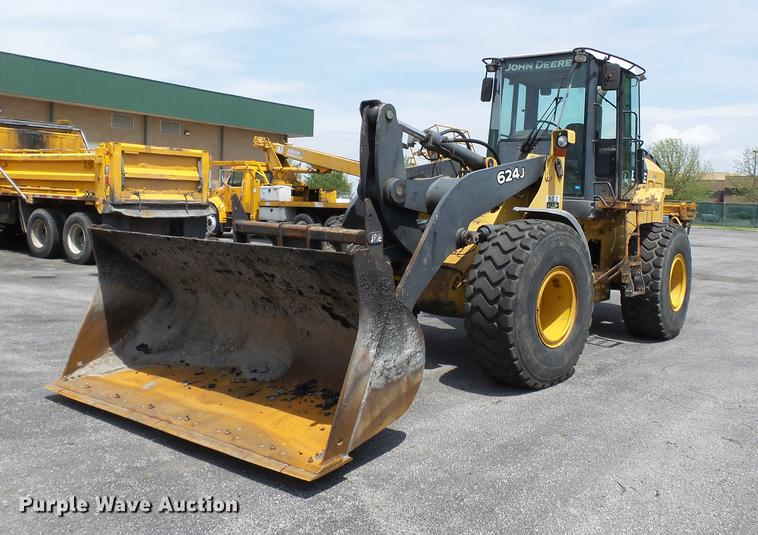 2004 John Deere 624J wheel loader