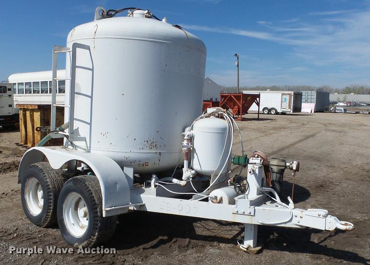 Schmidt sand blasting trailer
