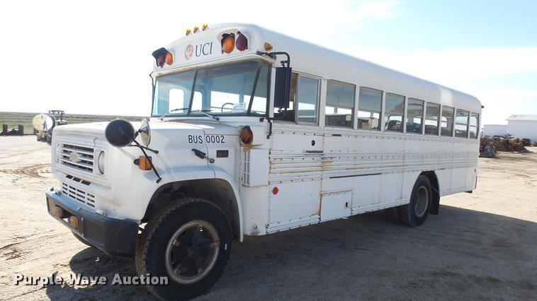 1987 Chevrolet B6P042 Blue Bird school bus