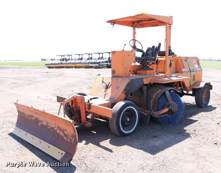 Broce RC350 broom