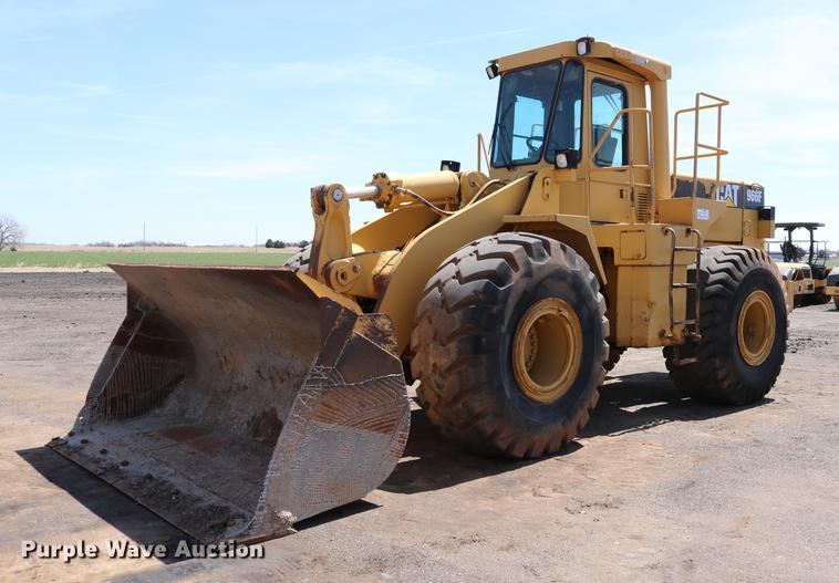 1992 Caterpillar 966F wheel loader