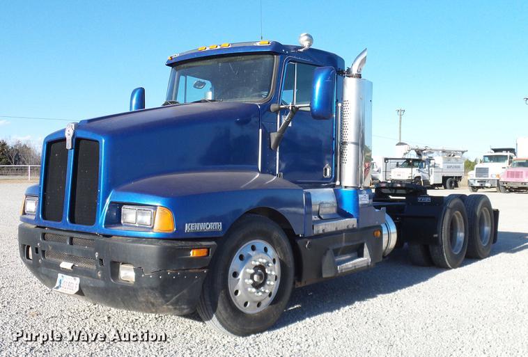 1993 Kenworth semi truck