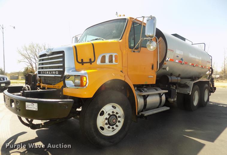 2009 Sterling L7500 oil distributor truck