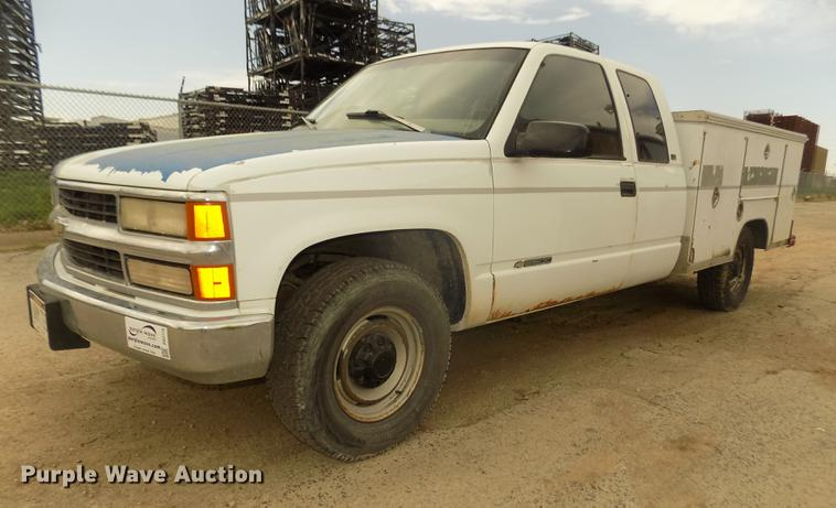 1997 Chevrolet C2500 Ext. Cab utility bed pickup truck