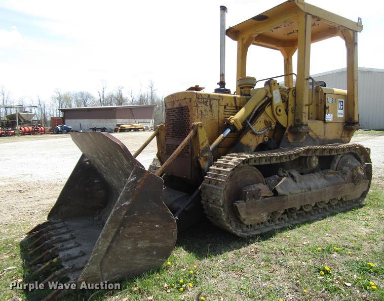 Caterpillar 951C track loader
