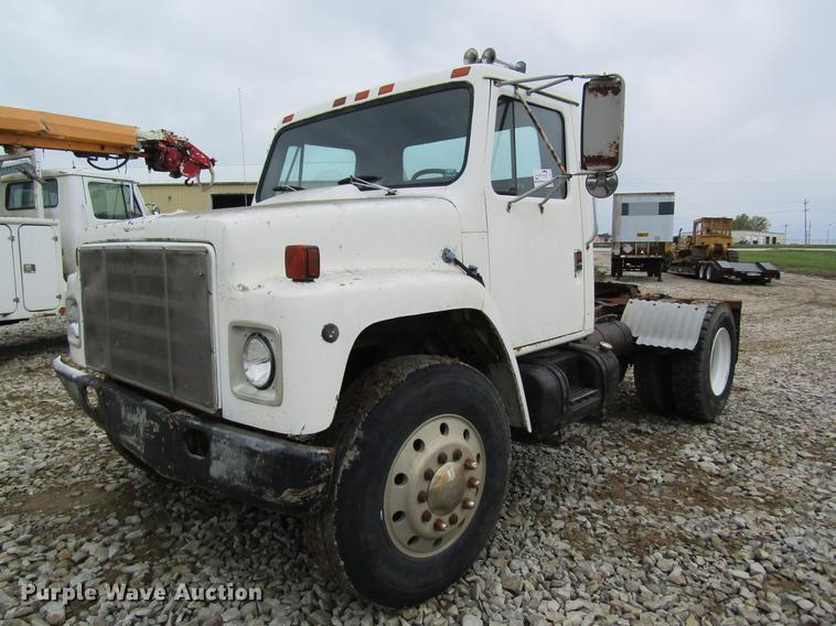 1983 International 1955 semi truck