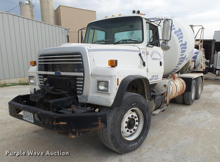 1997 Ford LT8000 ready mix truck