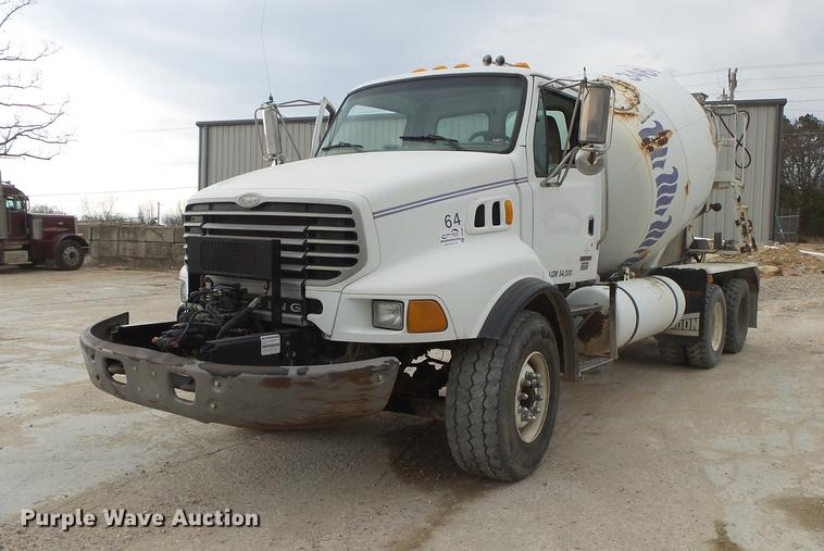 2004 Sterling L8500 ready mix truck