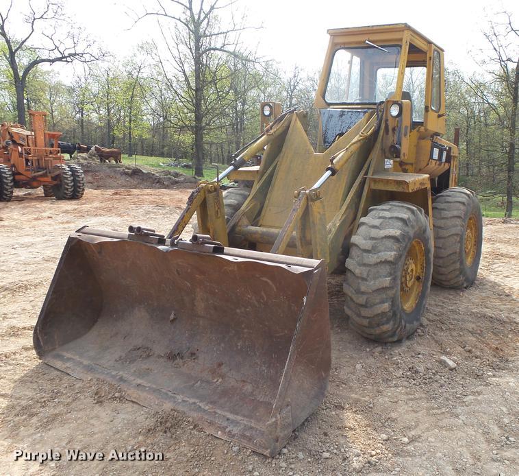 Owatonna 880 wheel loader