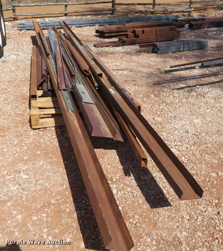 (4) bundles steel tubing