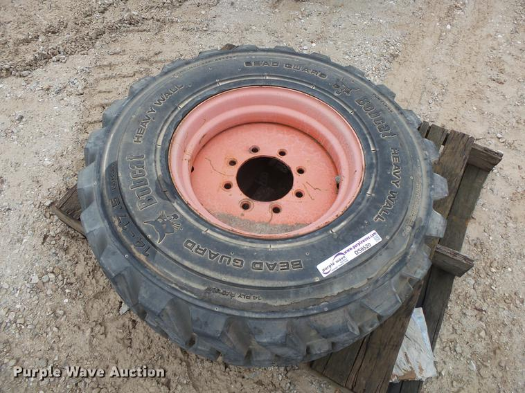 Bobcat 14.0 x 16.5 tire and wheel