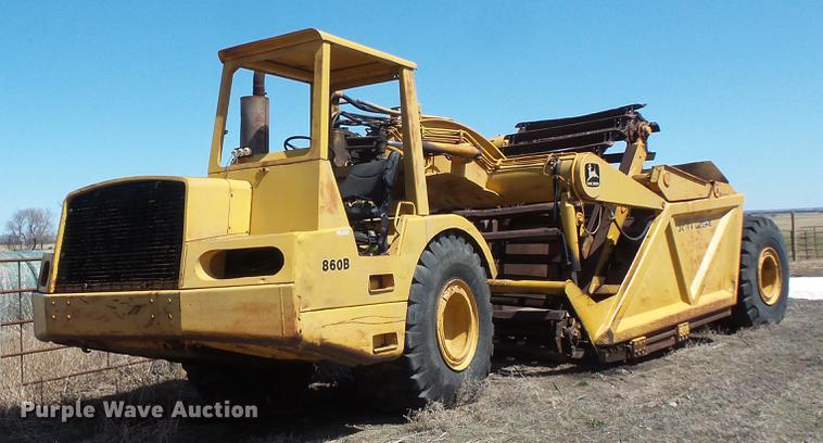 1978 John Deere 860B elevating scraper