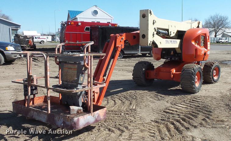 2000 JLG 450AJ boom lift
