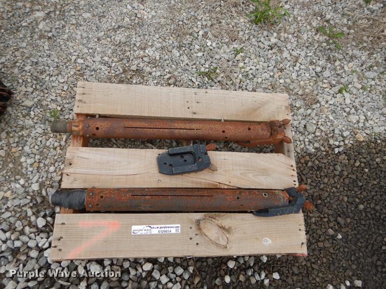 (2) Armor side load housing