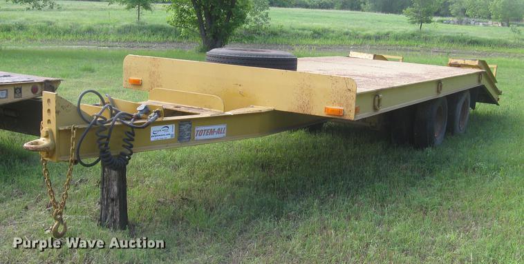 1978 Totem All 818-0W-816-FR equipment trailer