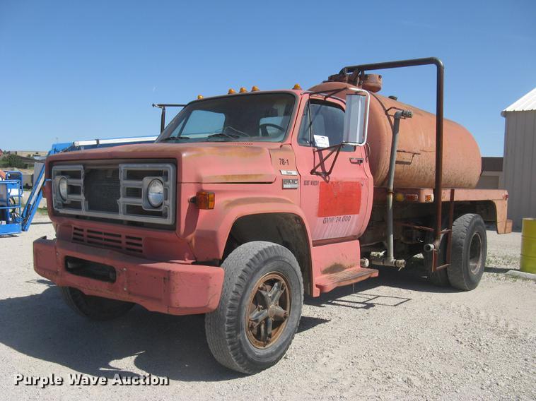 1978 GMC Sierra 6500 tank truck