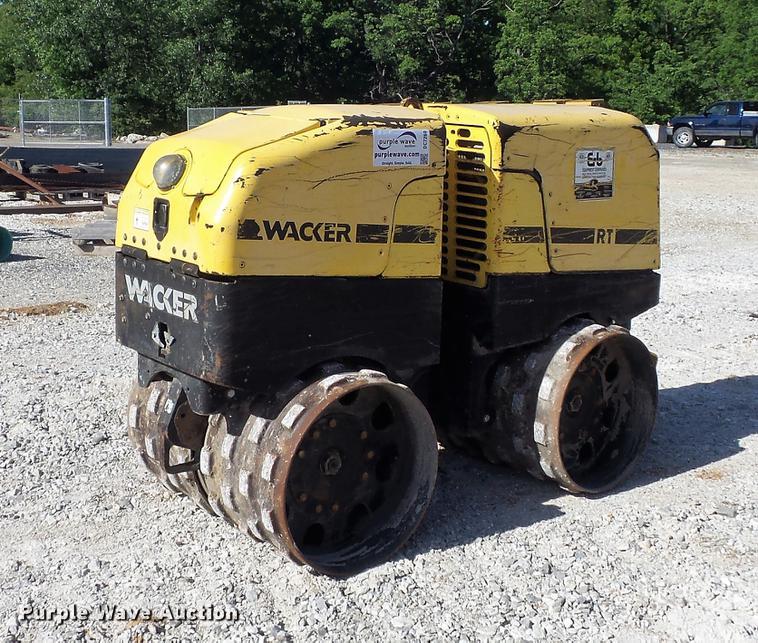 2007 Wacker RT vibratory trench compactor