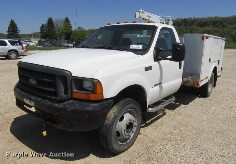 1999 Ford F450 Super Duty utility truck with crane