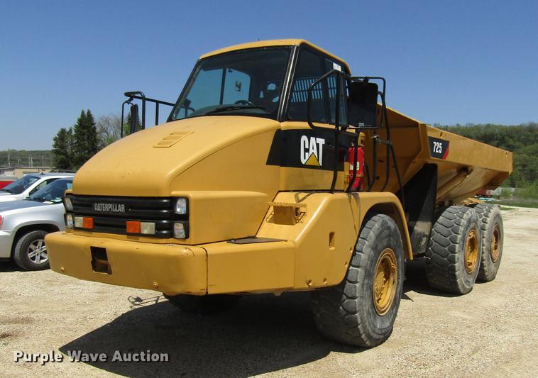2001 Caterpillar 725 haul truck