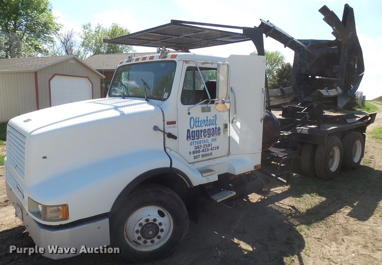 1989 International G-8300 truck with Big John tree spade
