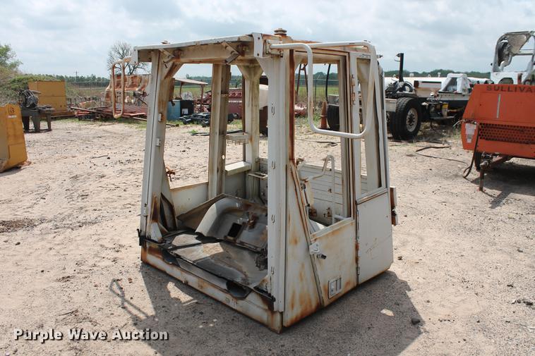 Caterpillar 950G wheel loader ROPS