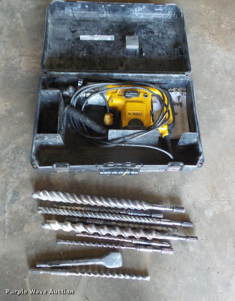 Dewalt D25551 rotary hammer drill