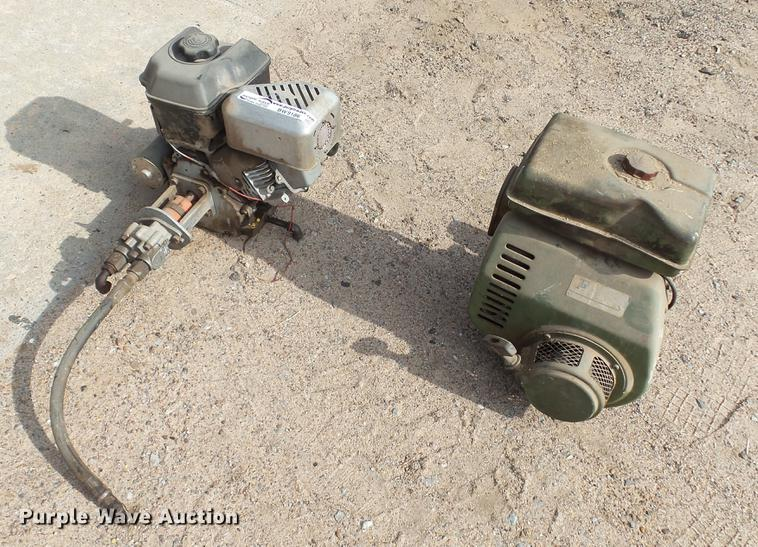 (2) Briggs & Stratton Intek 875 single cylinder gas engines