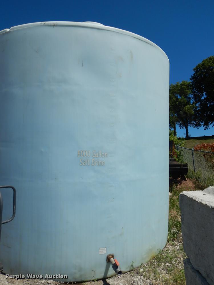 Poly salt brine tank
