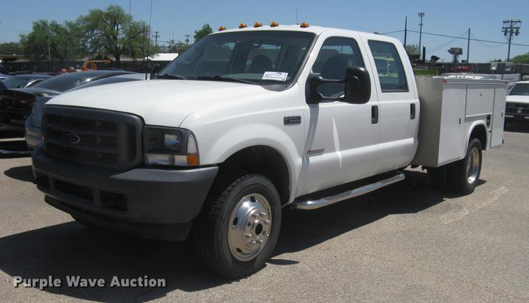 2003 Ford F550 Super Duty XL Crew Cab utility truck