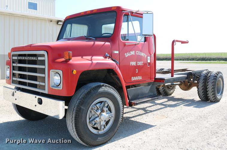 1982 International S1954 truck cab and chassis
