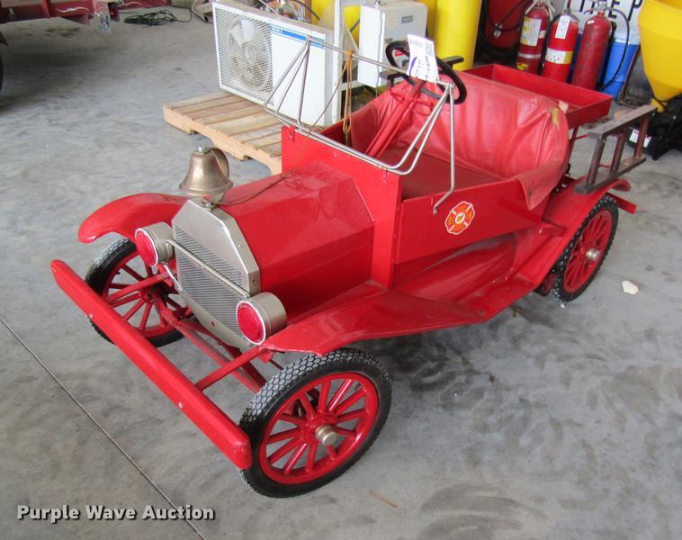 Miniature fire truck