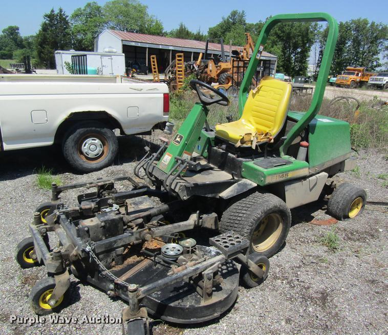 1998 John Deere F1145 lawn mower