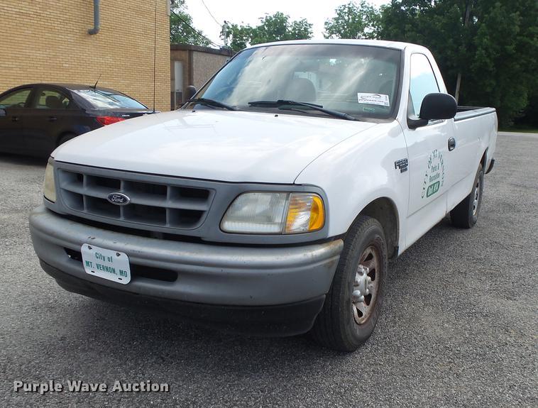 1998 Ford F250 pickup truck