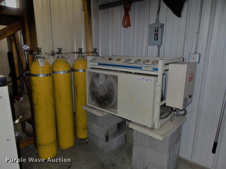 Bauer compressor/fill station