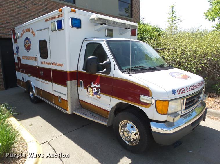 2005 Ford E450 MedTec ambulance