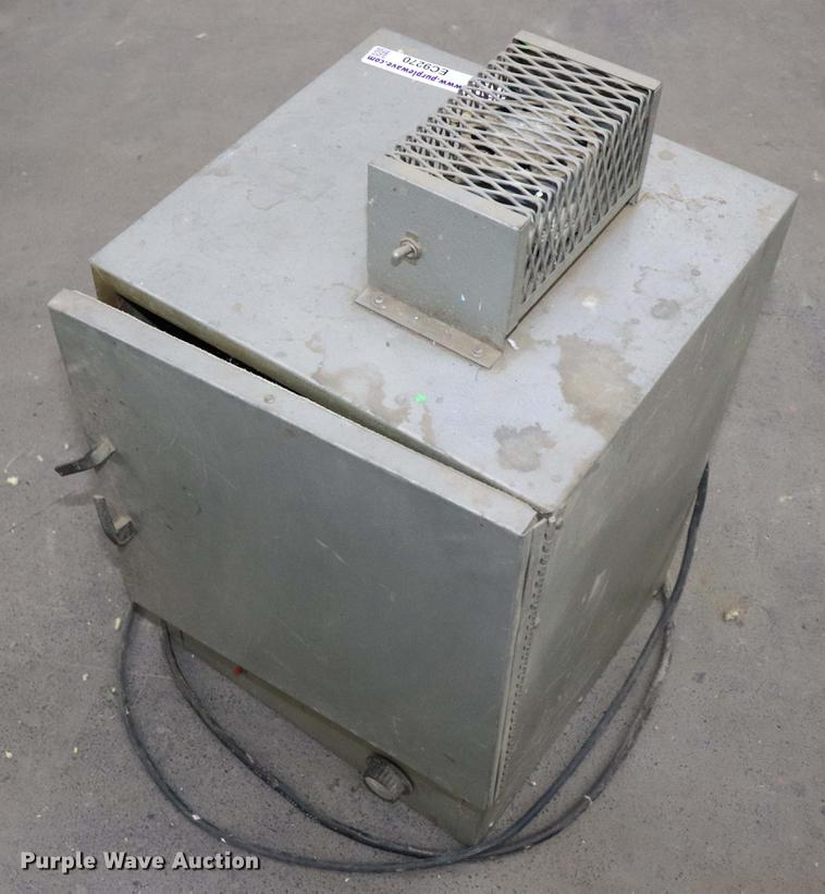 Plastic mold oven