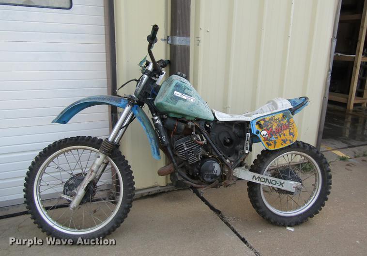 2000 Yamaha Mono-X dirt bike
