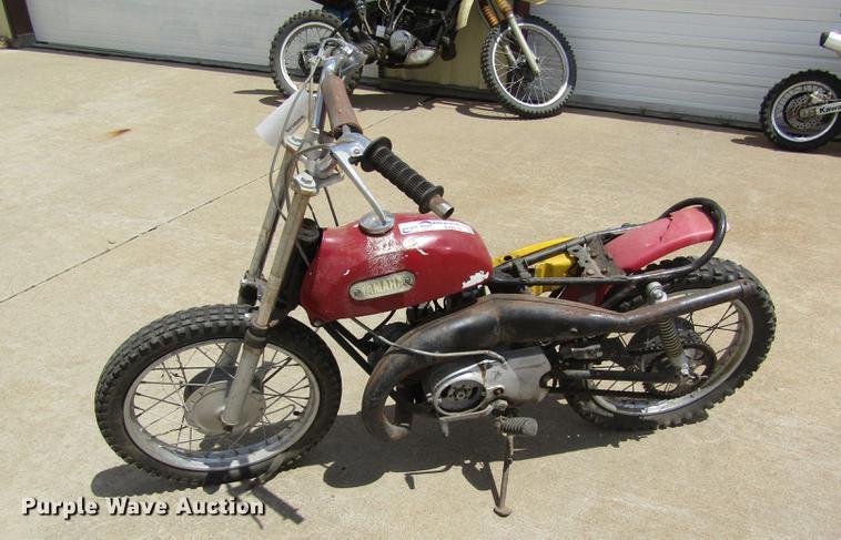 2000 Yamaha dirt bike