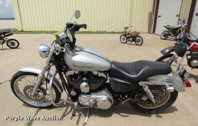 2004 Harley Davidson XL 1200 Custom motorcycle