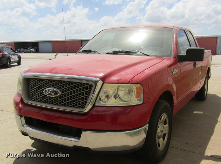 2004 Ford F150 SuperCab pickup truck