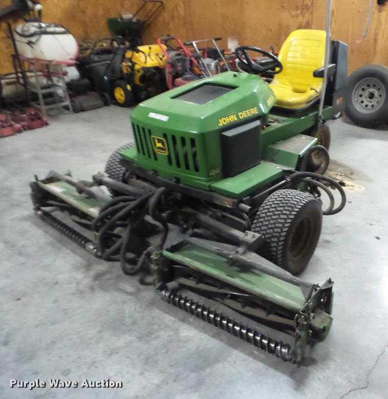 John Deere 2653A lawn mower