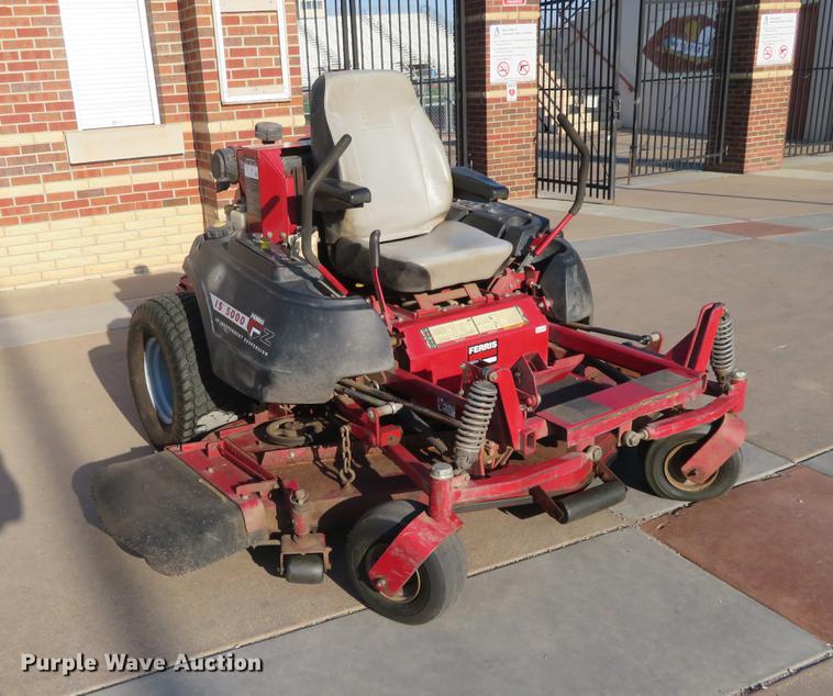 Ferris IS5000 lawn mower