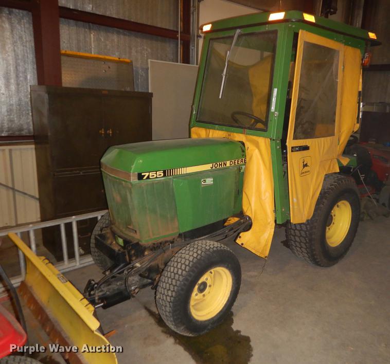 John Deere 755 tractor