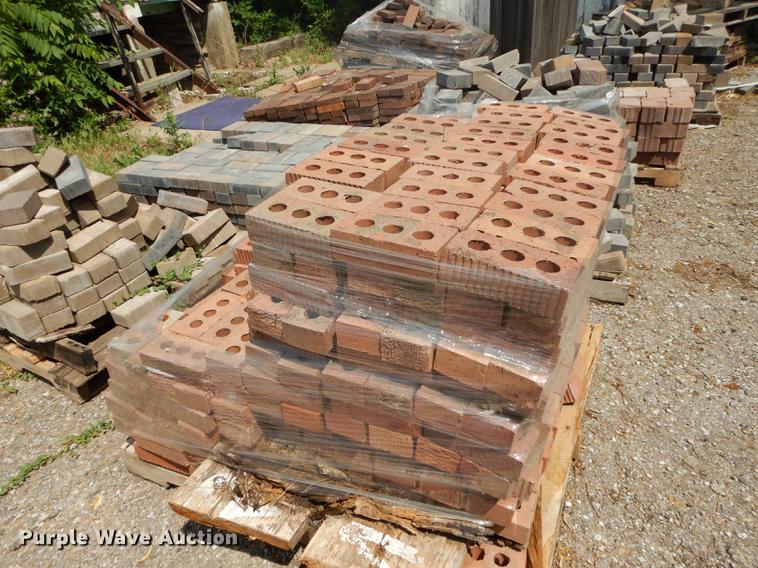 Approximately 750 core bricks