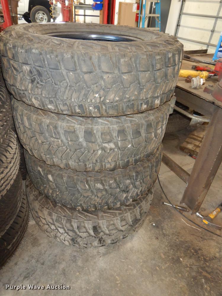 (4) Goodyear Kevlar 245/75R17 tires