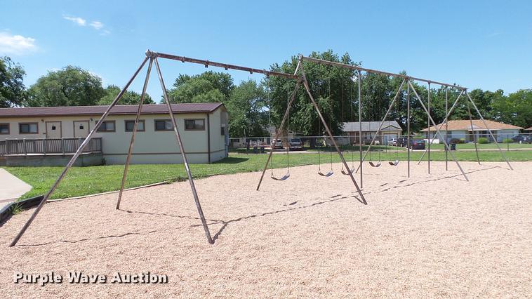 Metal swing set
